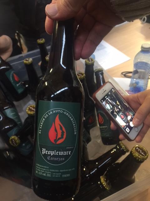 PAM2017 - Cerveza Peopleware, el sabor de la auto-organización.